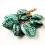 Happy Fallout - Turquoise Leaves - 12 bead set